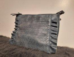 Grau, blaue Handtasche