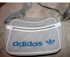 grau-blaue Tasche von Adidas
