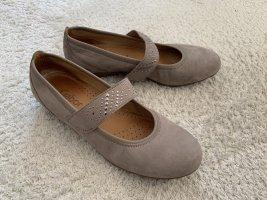 Graubraune flache Schuhe von Gabor Gr. 37,5