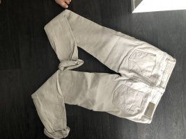 Graue jeans die einen knackpo zaubert