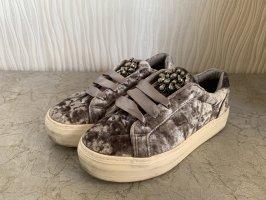 Graue Sneaker aus Samt von Graceland