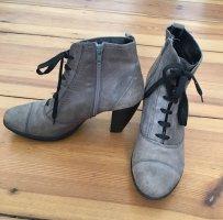 graue Stiefelette mit Absatz aus Leder | Tango