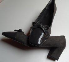Escarpin à boucle gris cuir
