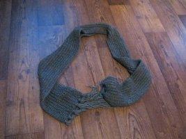 grauer Woll-Schal