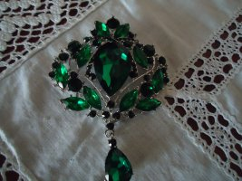 Brooch forest green