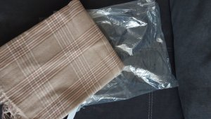 Ernstings Family Écharpe en laine beige-rose clair