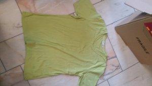 Grünes Shirt
