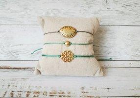 Grüngraues Markramee Band mit kleinem goldenen Knoten Neu! Größenverstellbar