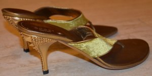 Gucci Toe-Post sandals gold-colored leather