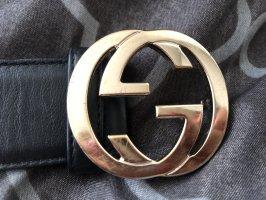 Gucci Cinturón de cadera negro-color oro