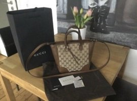 Gucci Small Bree