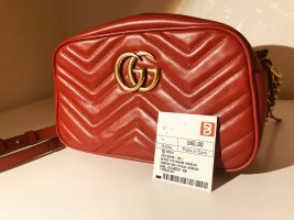 GUCCI Umhängetasche Marmont Small / Hibiscus Red