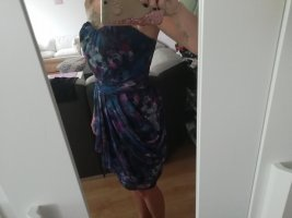 Guess Vestido corsage rojo zarzamora-violeta oscuro