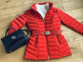 ❤️ Guess Jacke Steppjacke XS 34 rot mit Logo Gürtel Schriftzug
