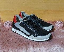 Guess Schuhe Gr 45