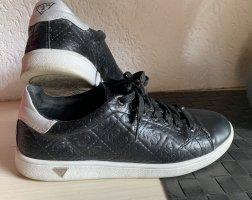 GUESS Sneaker Gr. 39