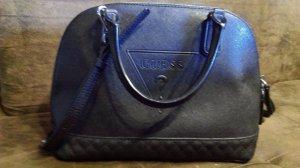 Guess Tasche schwarz Handtasche Guess passt zu allem