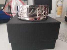 Guess Zegarek z metalowym paskiem srebrny