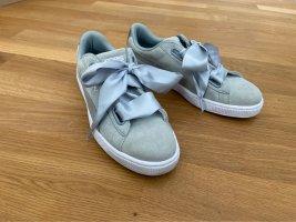 Gut erhaltene Puma Sneakers