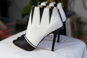 Gwen Stefani Bottes à bout ouvert blanc-noir