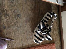 H&M Baleriny z odsłoniętym palcem czarny-kremowy