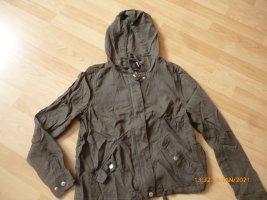 H&M/ DIVIDED Kaputzen-Jacke gr 38 Top Zustand