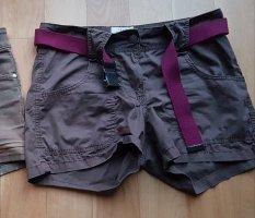 H&M Logg kurze Shorts 34