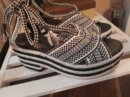 H&M Premium Sandalo alto con plateau nero-bianco sporco