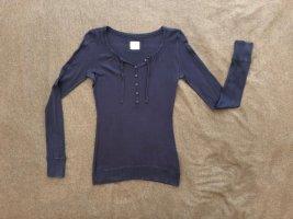 H&M Pullover, blau, Größe M, Knopfleiste am Dekolleté und Bänder, guter Zustand