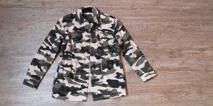 H&M S Parker Jacke Camouflage army khaki beige