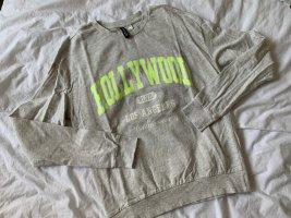 H&M Sweatshirt in grau mit Aufdruck