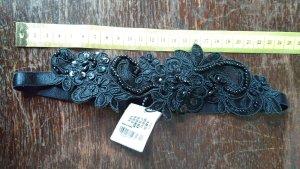 Haarband mit Perlen bestickt