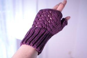 """Häkel Handschuhe """"Lavendel"""" dunkelviolett (Set mit Mütze)"""