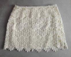 Falda de encaje crema