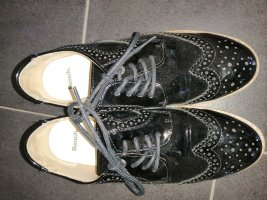 Bench Wingtip Shoes black