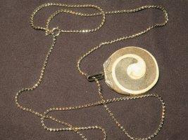 Halskette mit dekorativem Naturstein