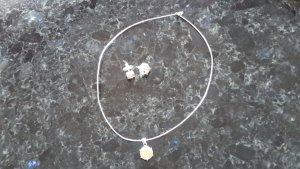 Halskette mit Steckohrringen