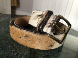 Handgefertigter Gürtel aus Kuhfell