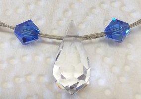 Handgfertigte Kette aus Swarovski Perlen und Elements