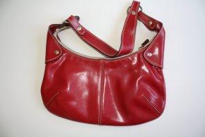 Handtasche aus rotem Leder