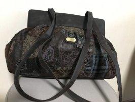 Handtasche mit schöner Musterung