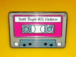Harry Styles Anstecker Treat People with Kindness