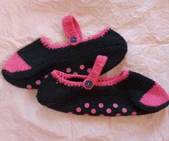 Pantuflas negro-rosa