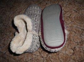 Pantoufles-chaussette blanc-bordeau