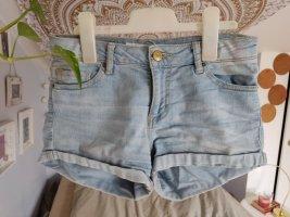 hellblaue Jeans Shorts