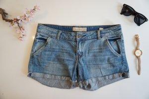 Hellblaue Jeansshort Gr. 40 / Shorts hellblau Jeans Gr. 40