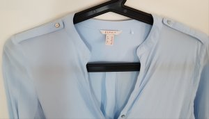 hellblaue Langarm-Bluse von Esprit, Größe 36, perlmutt-schimmernde Knöpfe