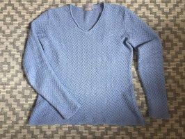 Hellblauer Pullover V-Ausschnitt
