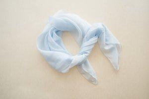 Pañuelo de seda azul celeste Seda