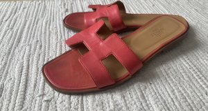 Hermès Strapped Sandals bright red-salmon